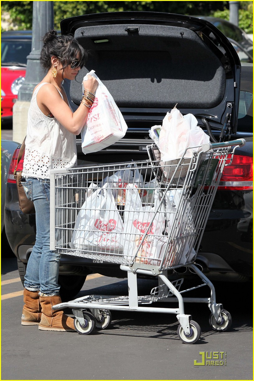 vanessa hudgens grocery girl 08