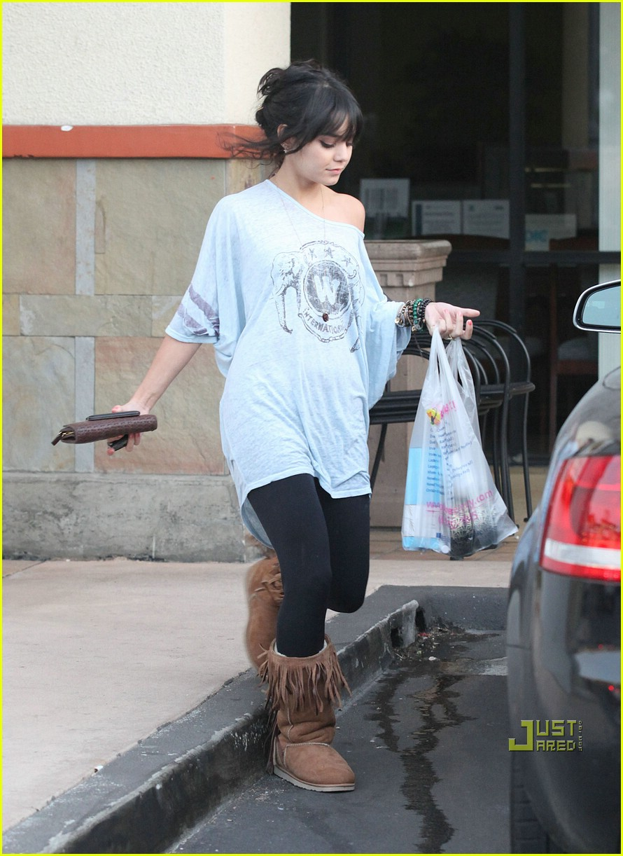 vanessa hudgens fringe boot 07