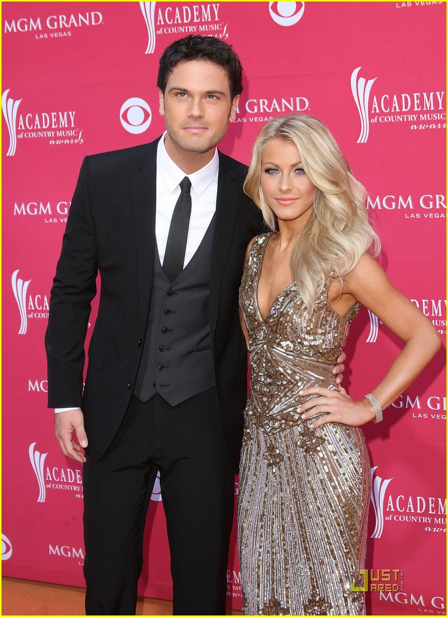 julianne hough acm winner 07