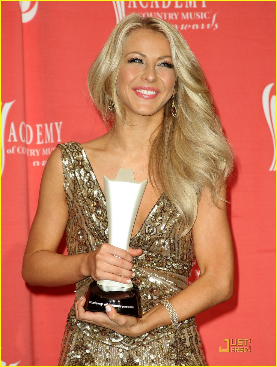 julianne hough acm winner 20