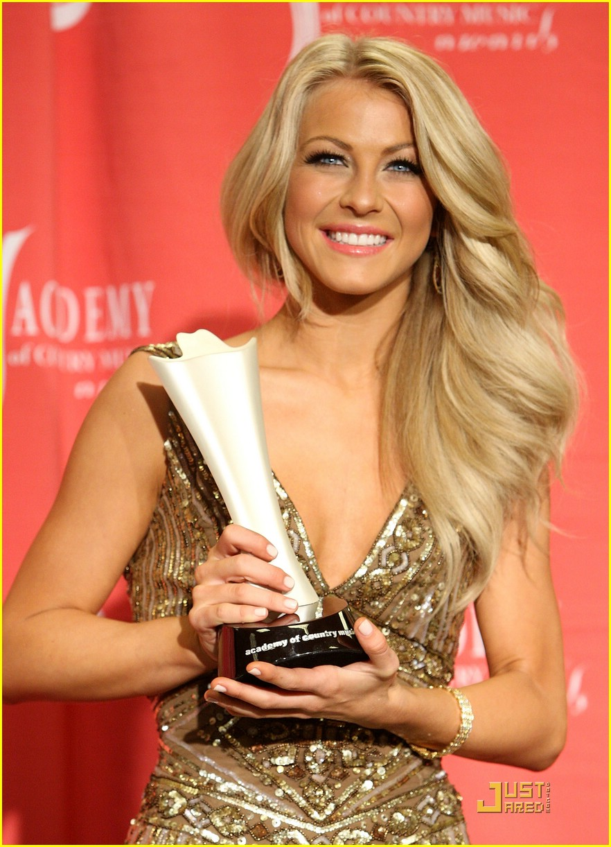 julianne hough acm winner 29