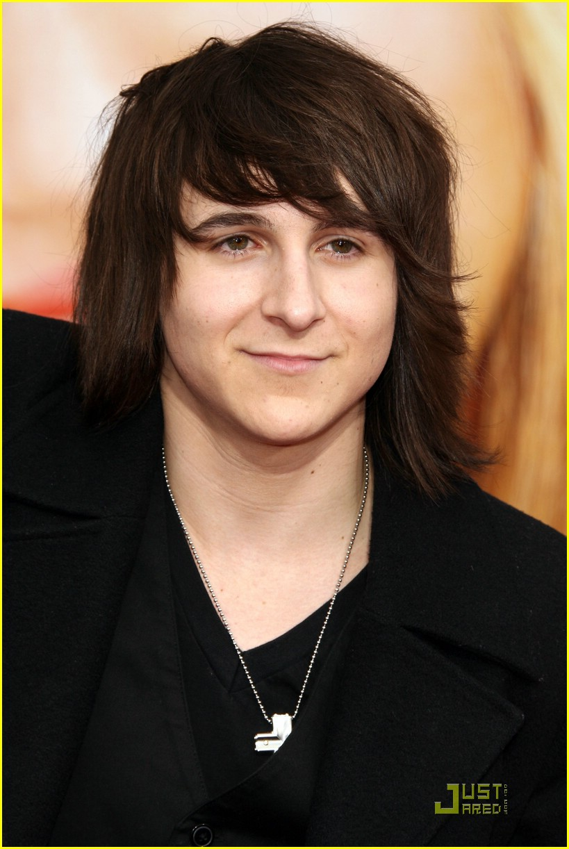 mitchel musso shawn johnson hm premiere 02