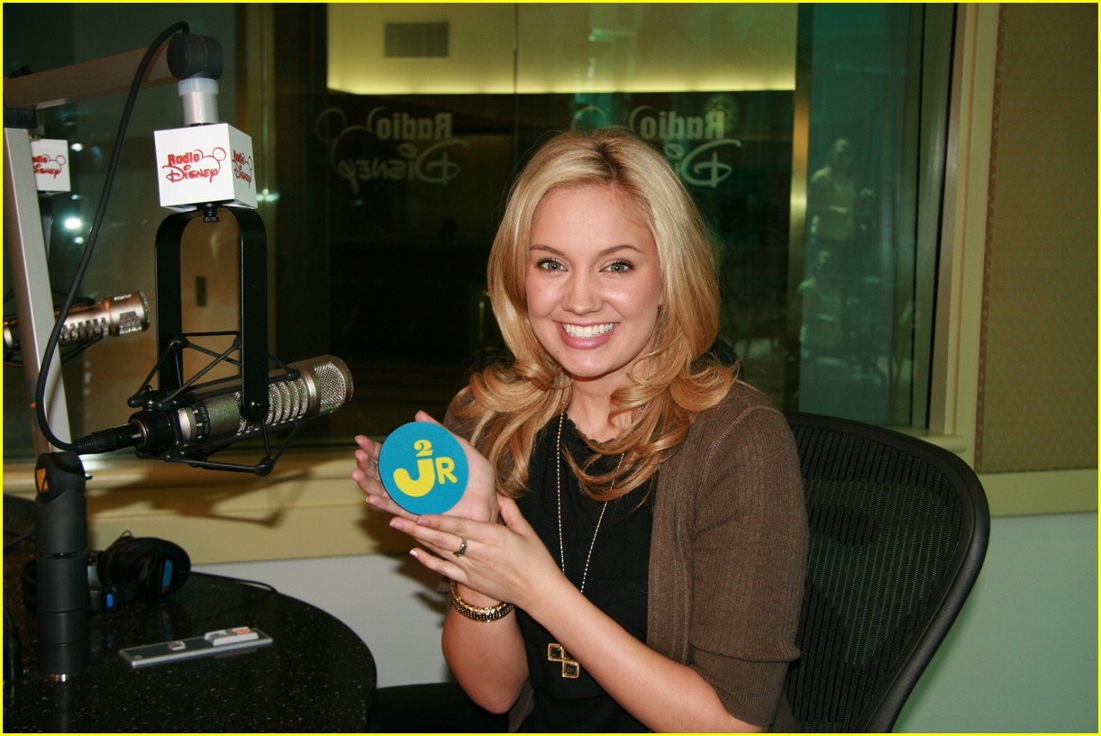tiffany thornton born cheerleader 06