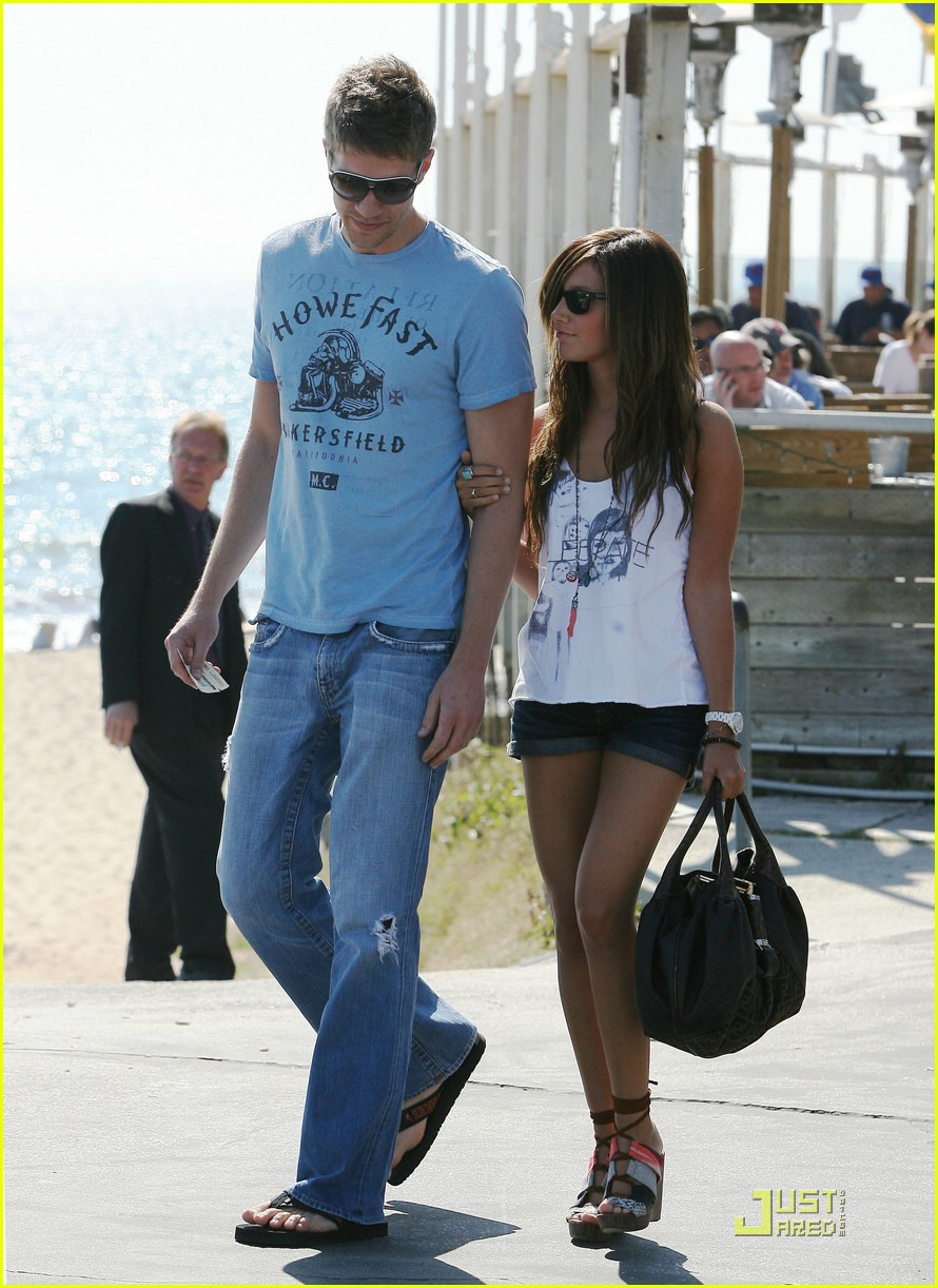 ashley tisdale scott speer couple 12