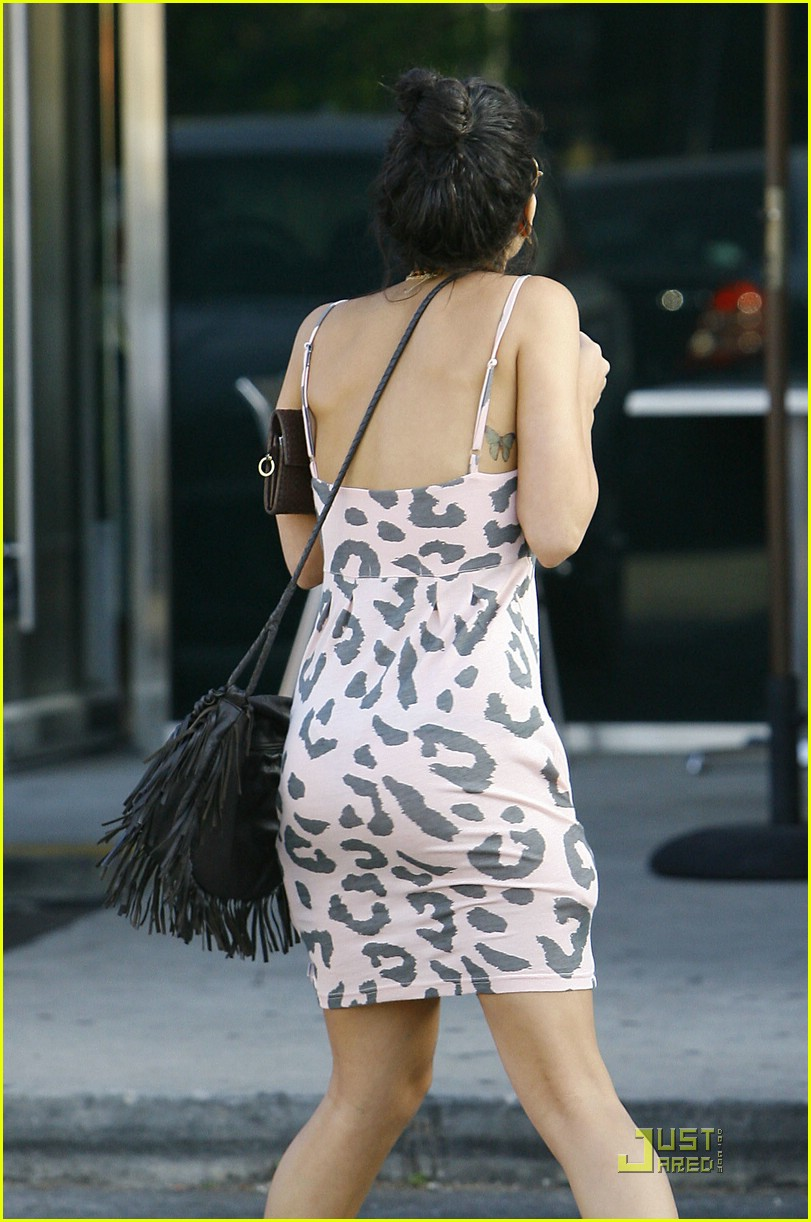 vanessa hudgens five easy pieces 01