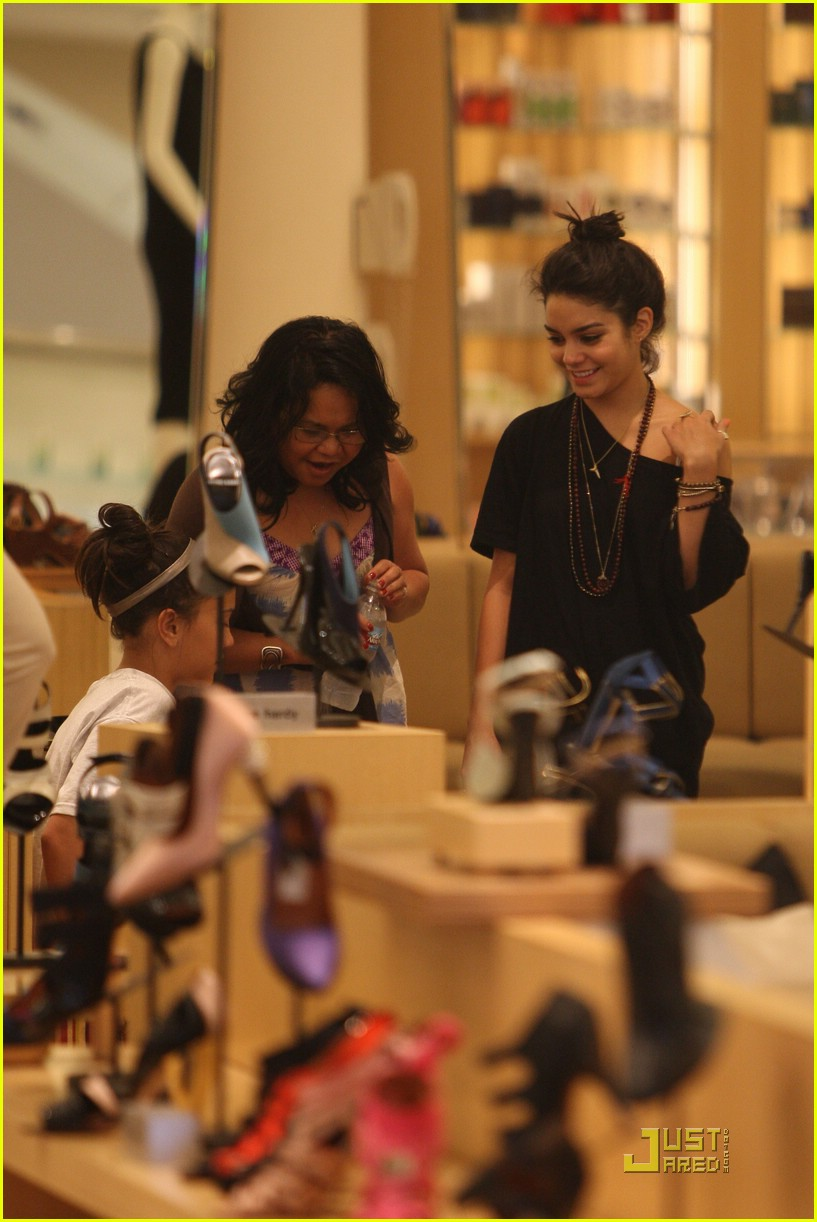 vanessa hudgens shoe shopping barneys 01