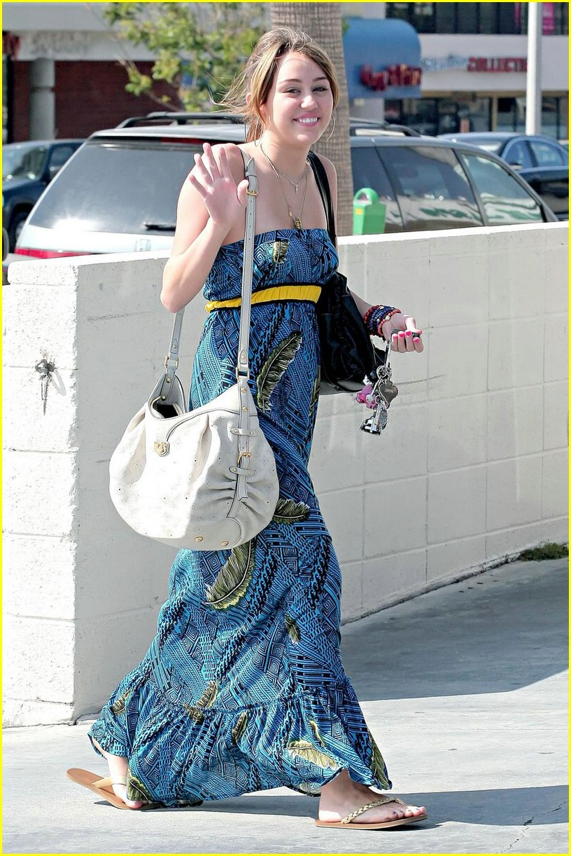 miley cyrus blue dress 06