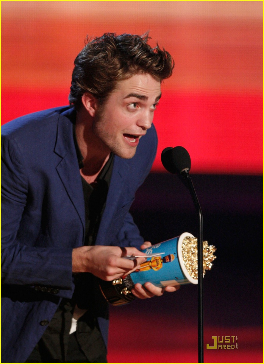 robert pattinson mtv movie awards 15
