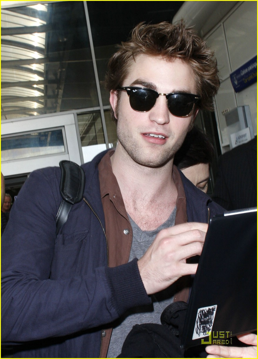 robert pattinson new moon nice 01