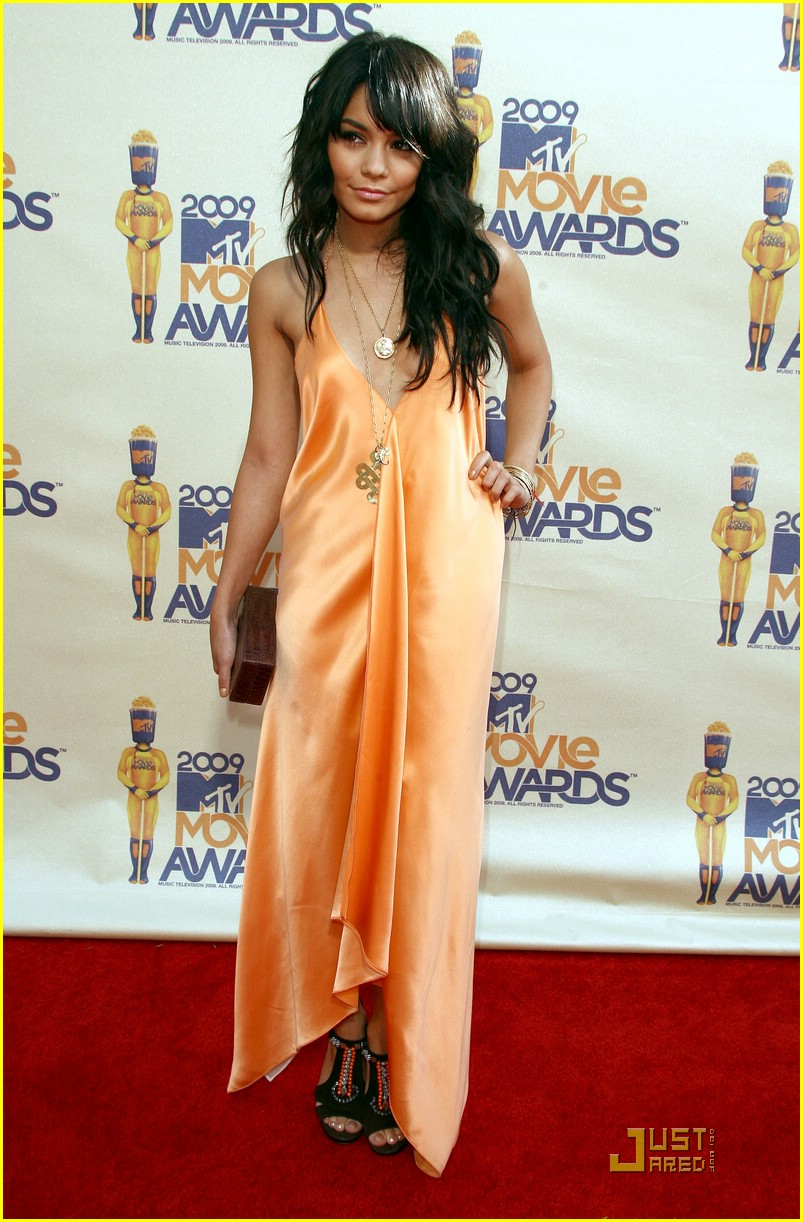 vanessa hudgens mtv movie awards 13