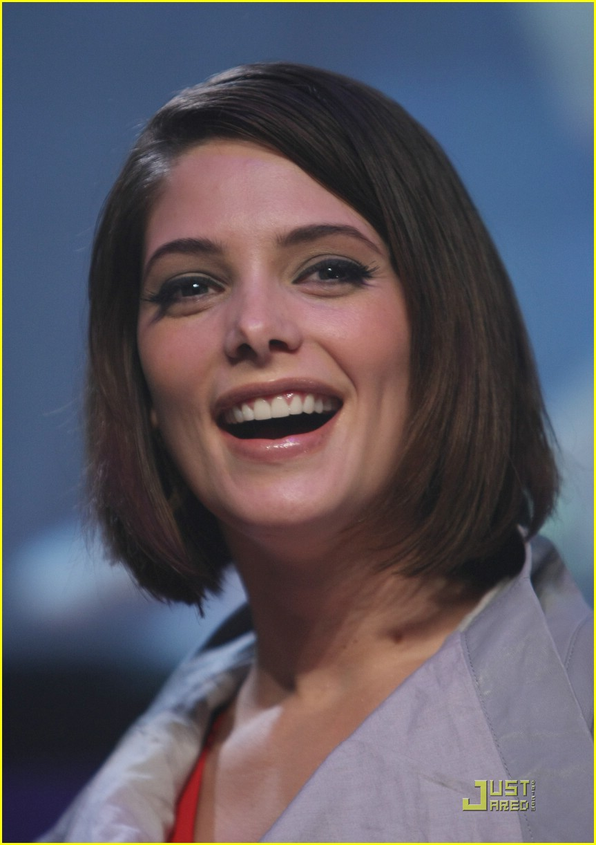 ashley greene twilight party 17