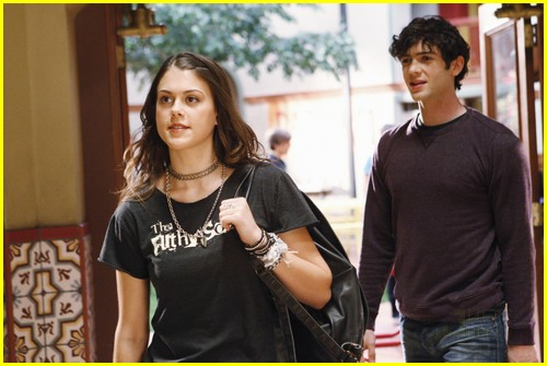 Lindsey Shaw And Ethan Peck Lindsey Shaw & Eth...