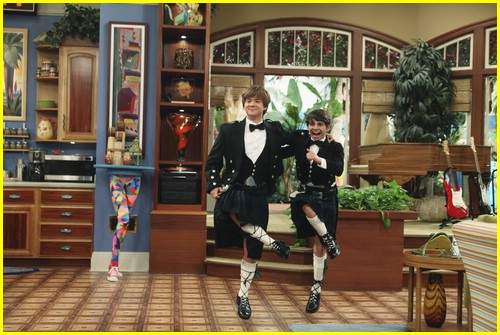 miley cyrus cody linley one 02