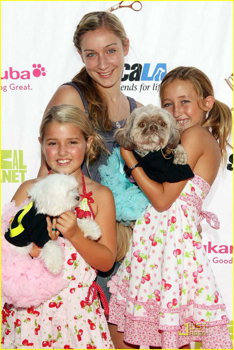 noah cyrus pet salon sweet 01