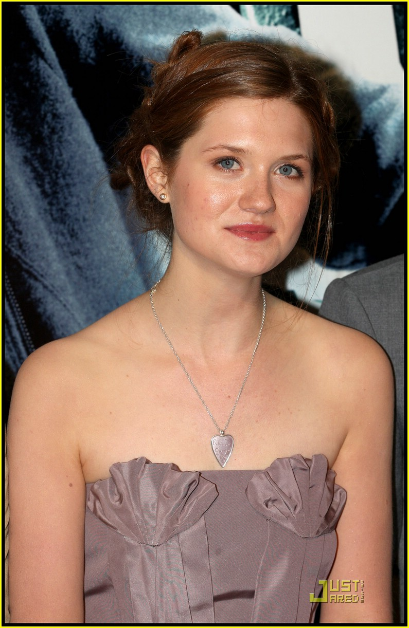 bonnie wright harry potter paris 03