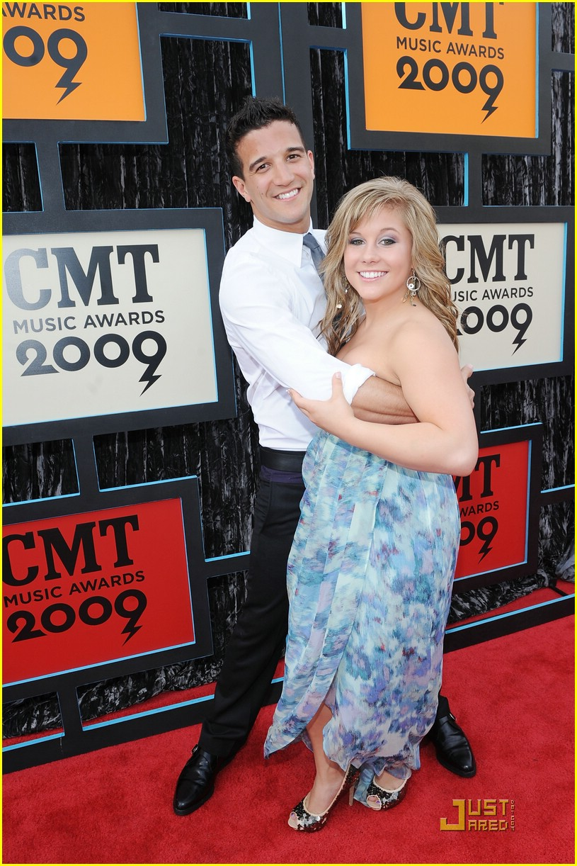 shawn johnson cmt music awards 09