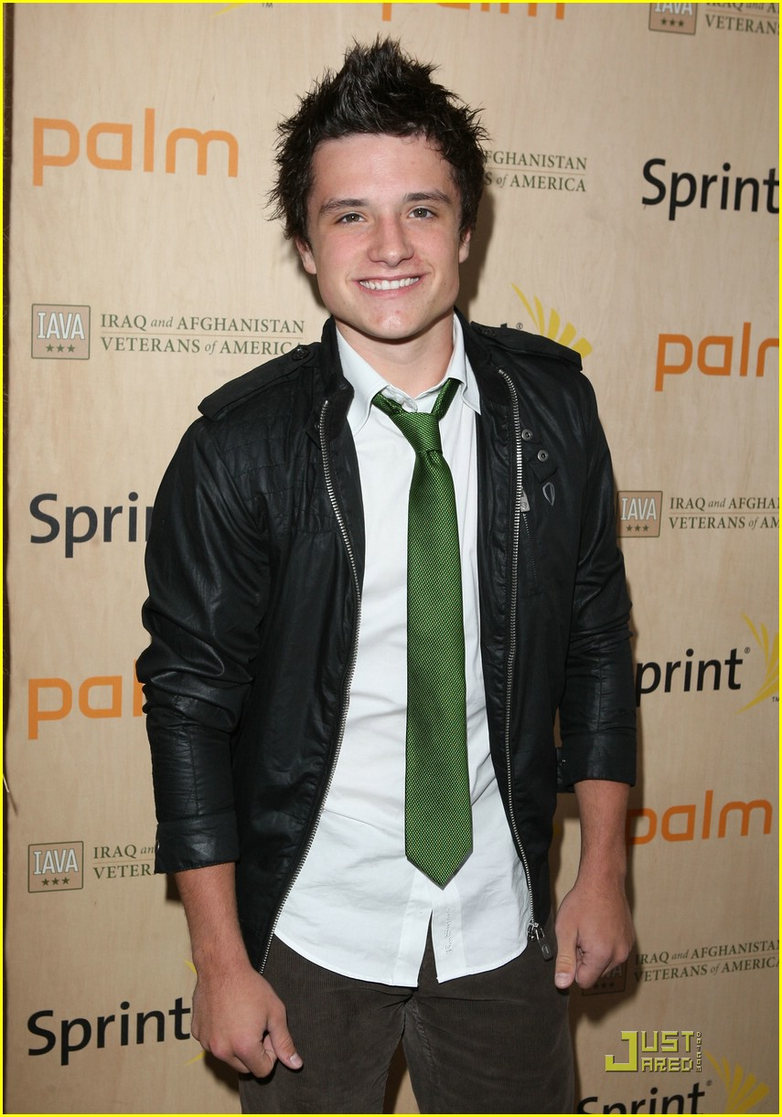 simon curtis josh hutcherson palm party 10
