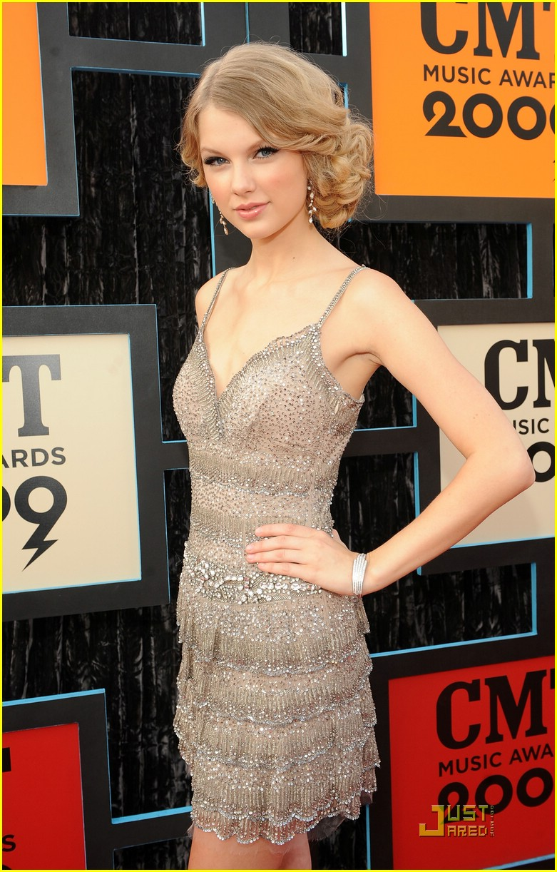 taylor swift cmt music awards 01