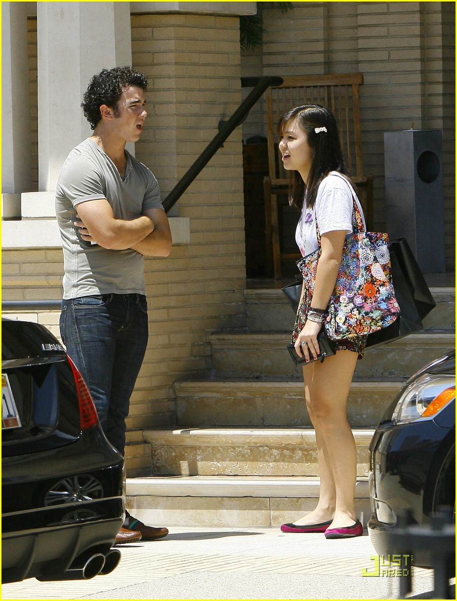 kevin jonas maya kibbel barneys 03