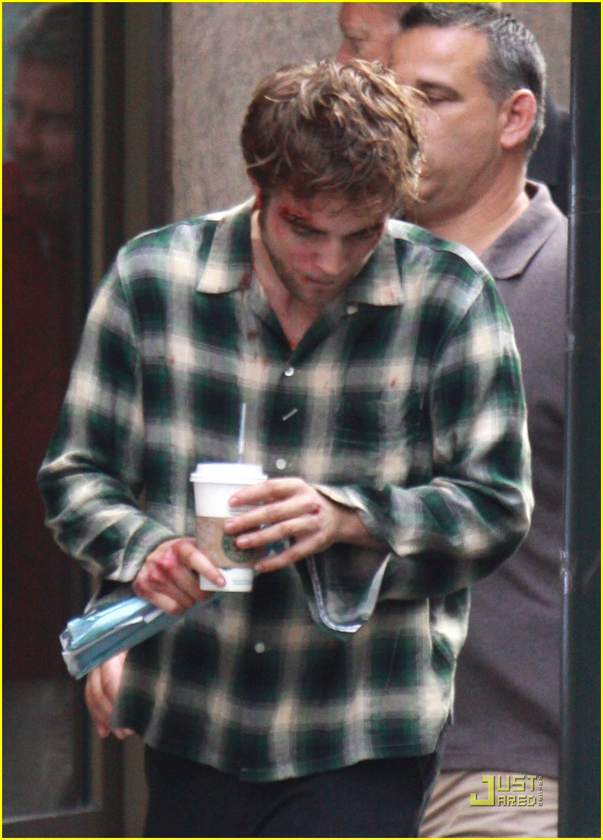 robert pattinson bloody 02