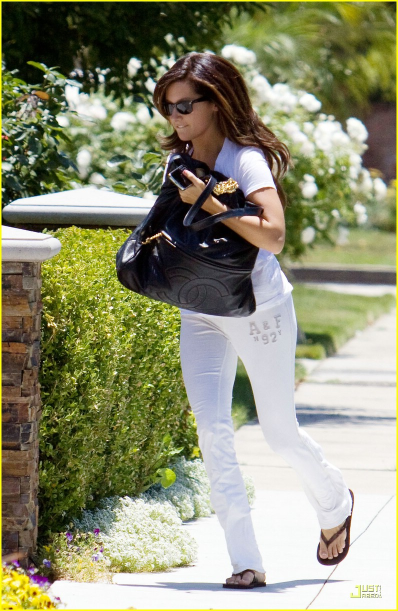 ashley tisdale hurry home 01