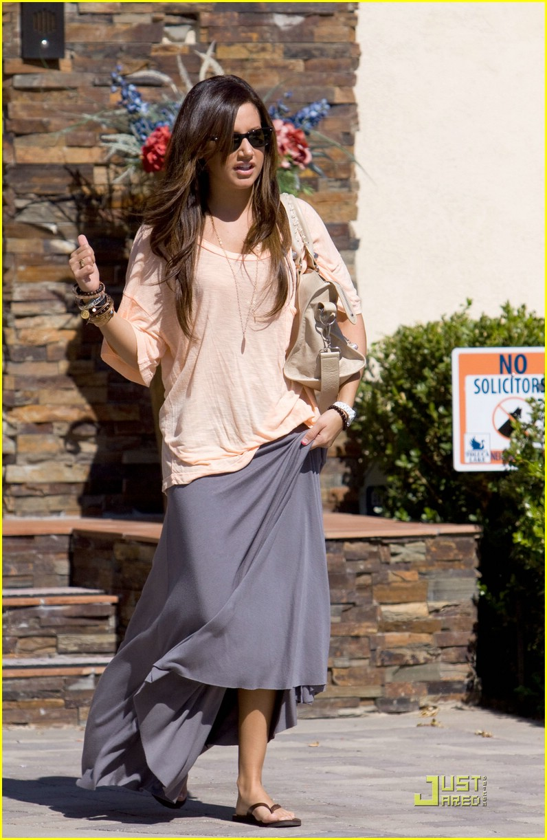ashley tisdale birthday vacation 03