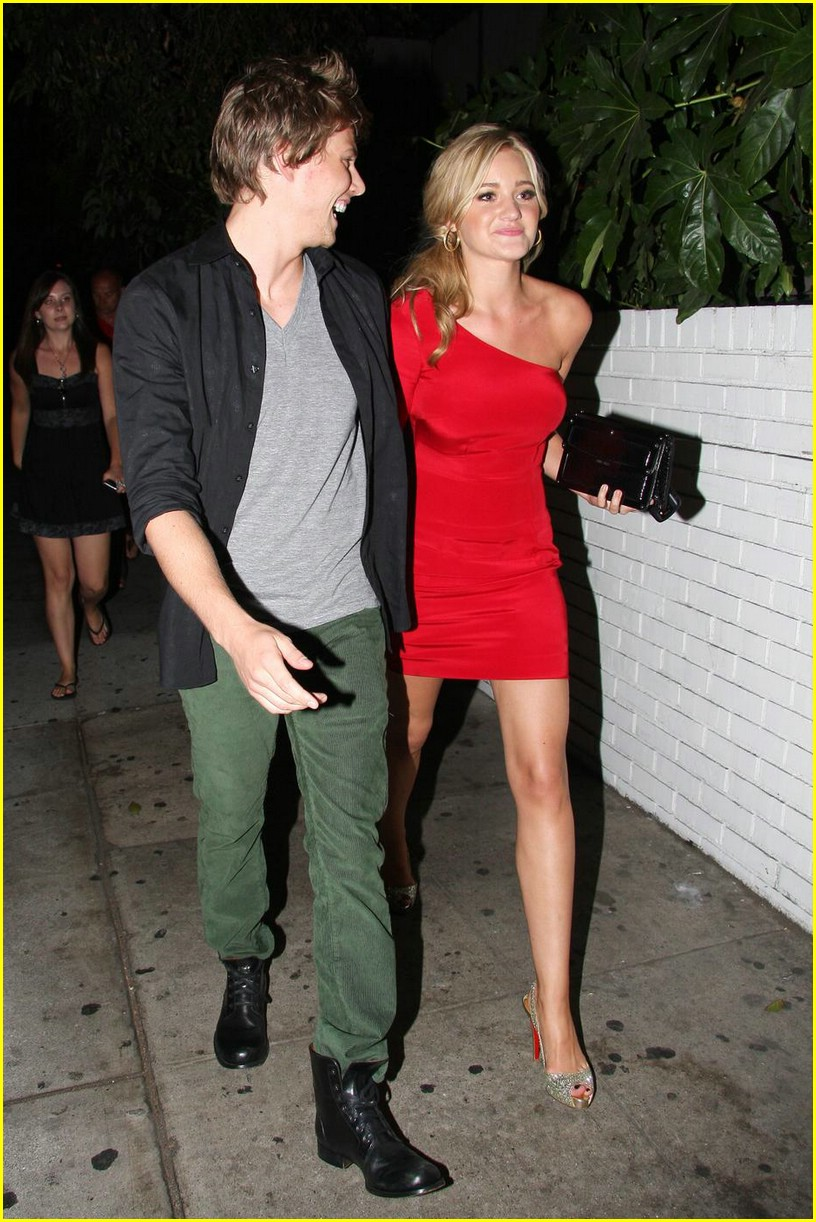 aj michalka hunter parrish dinner date 02