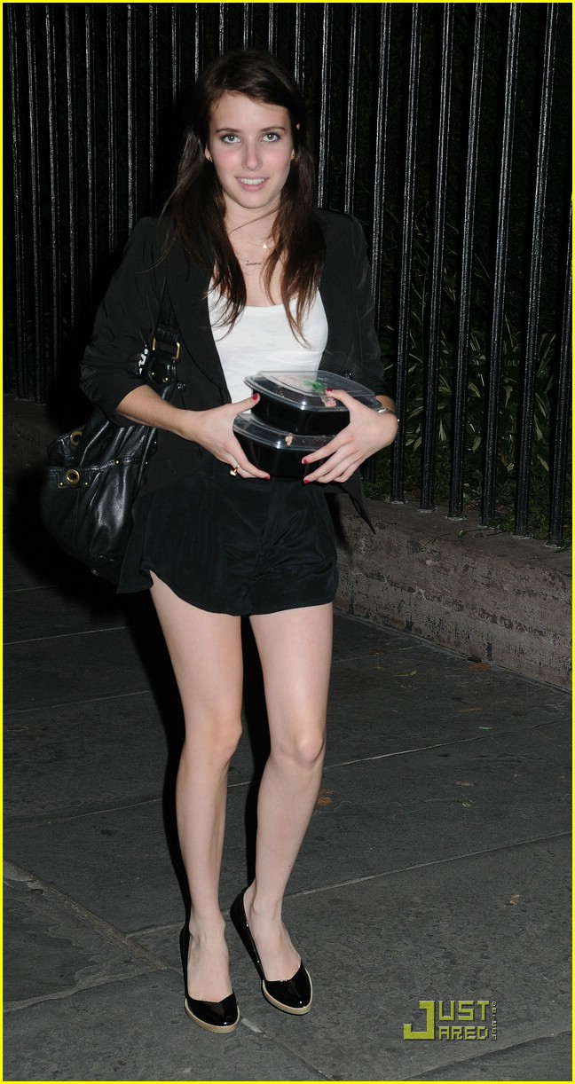 Emma Roberts is Leftovers Lovely | Photo 255841 - Photo ... Zac Efron Nyc
