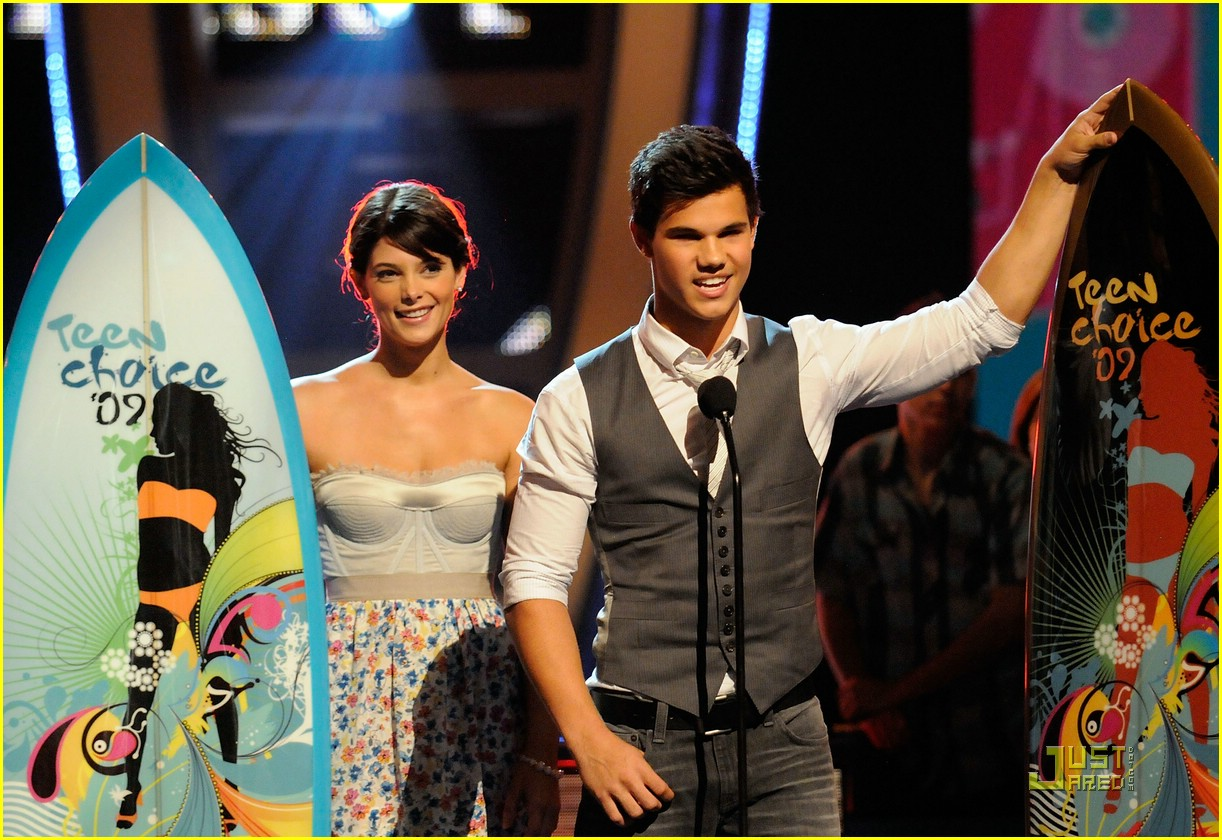 taylor lautner tca awards 03