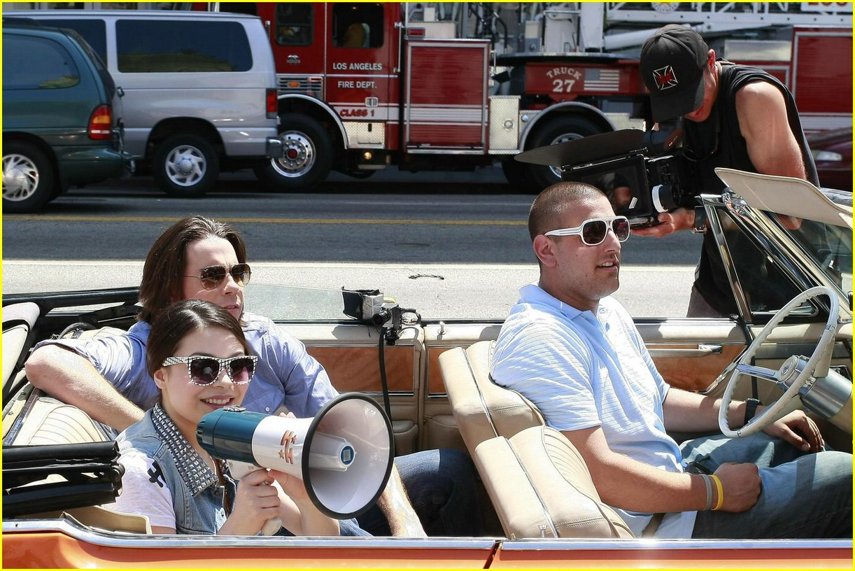 miranda cosgrove cadillac cruisin14