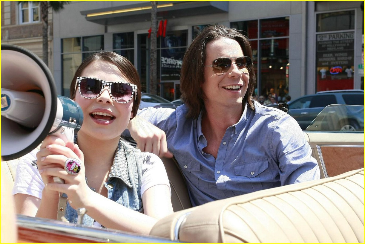 miranda cosgrove cadillac cruisin20