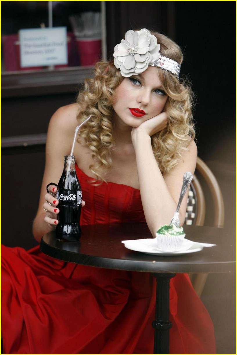taylor swift coca cola cute 08