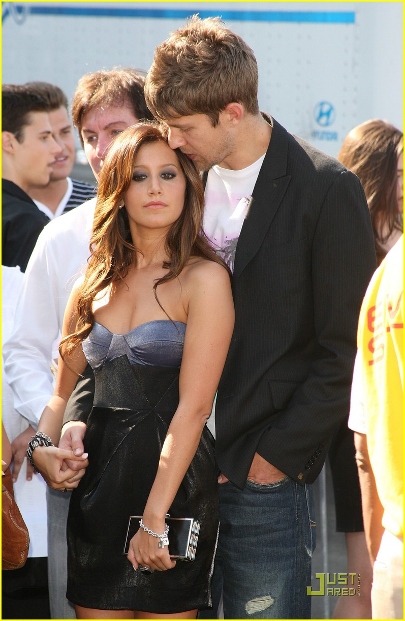 ashley tisdale scott speer tca pda 08