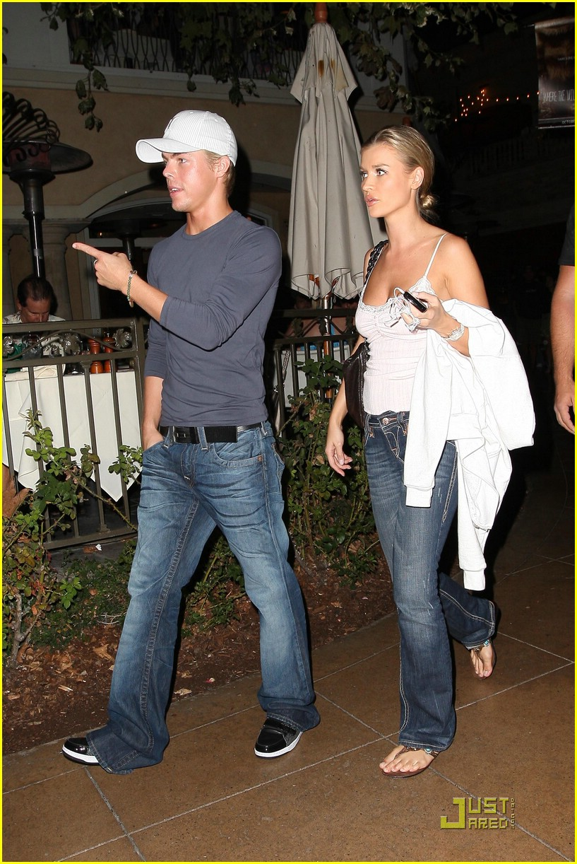 derek hough joanna krupa grove date 04