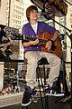 Justin-nintendo justin bieber nintendo store 06