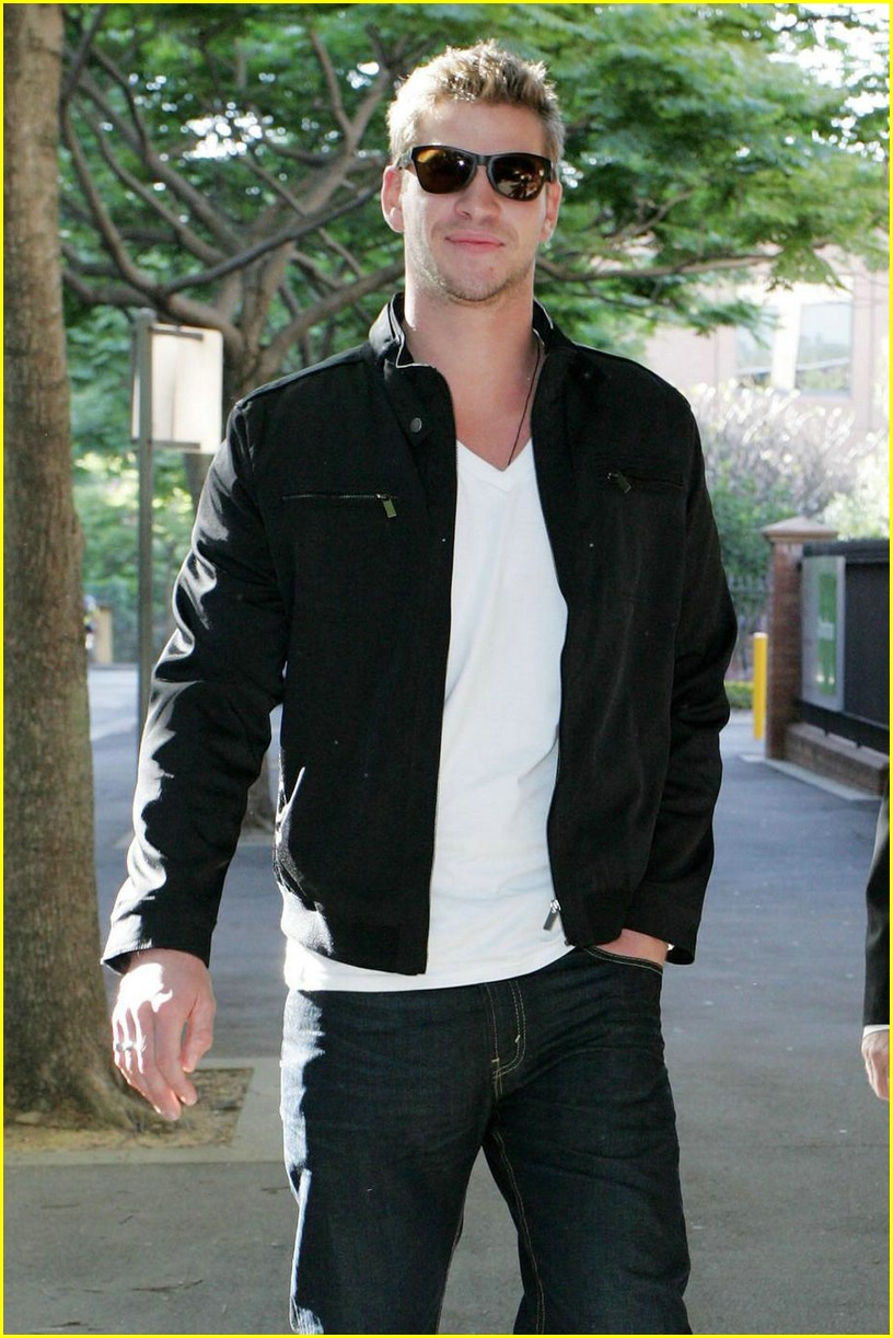 liam hemsworth nova nifty 07
