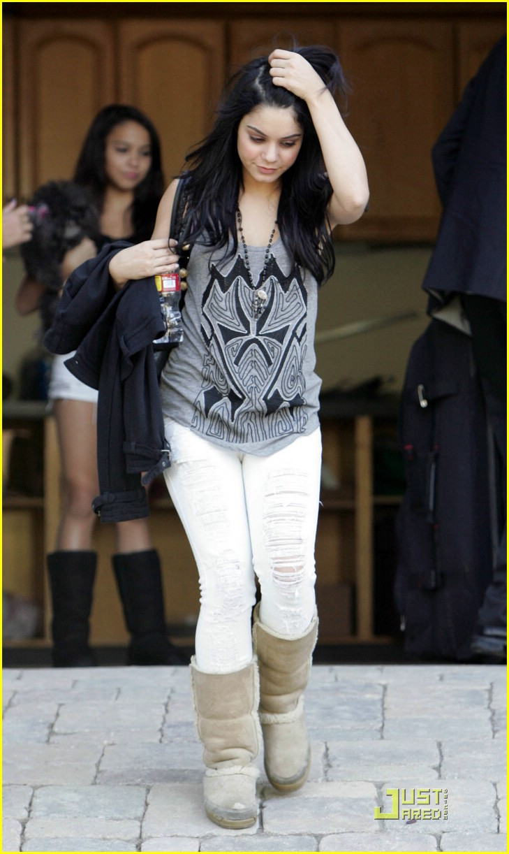 vanessa hudgens white wonderful 01