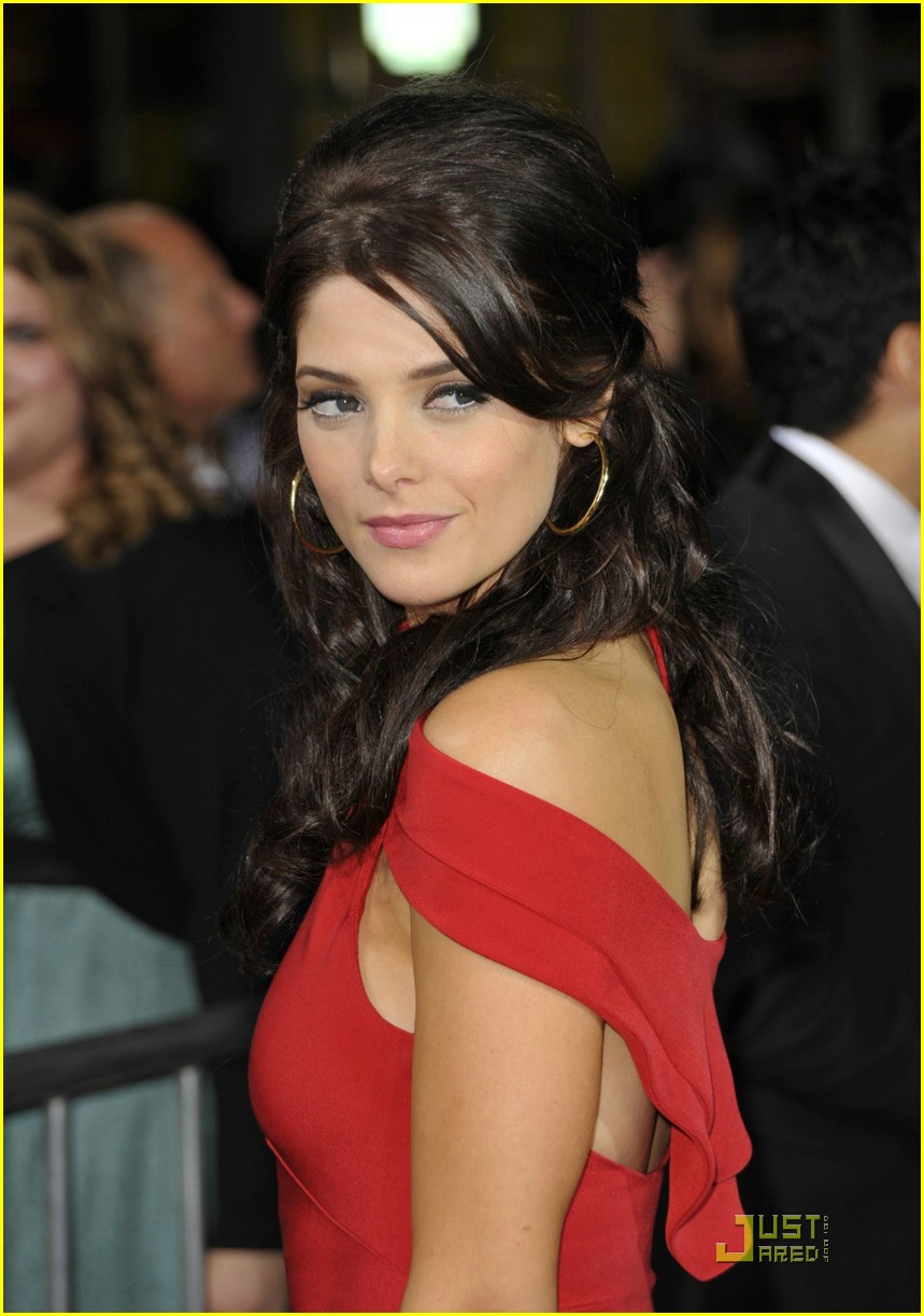 ashley greene lady red 02