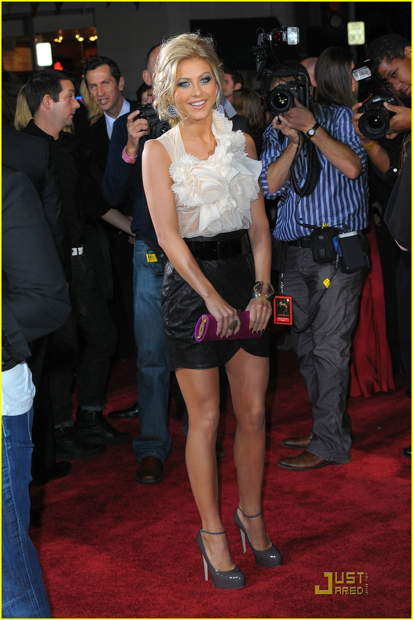 julianne hough new moon premiere 19