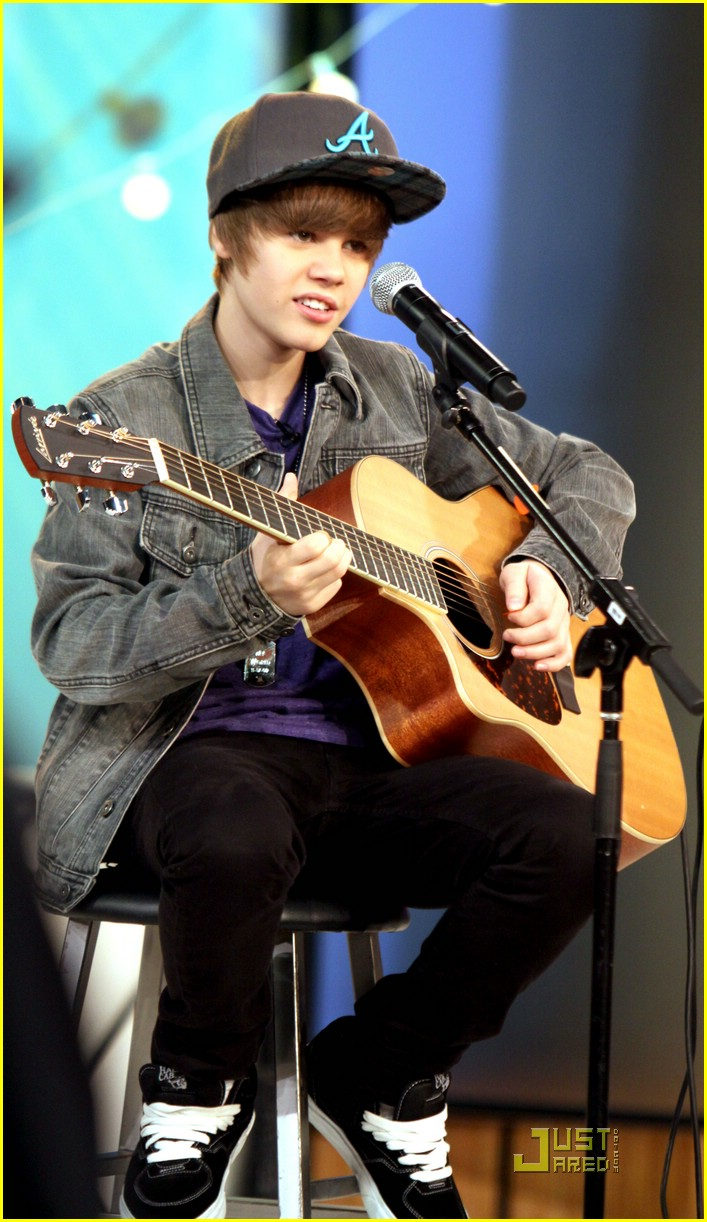 justin bieber gma sunday 03