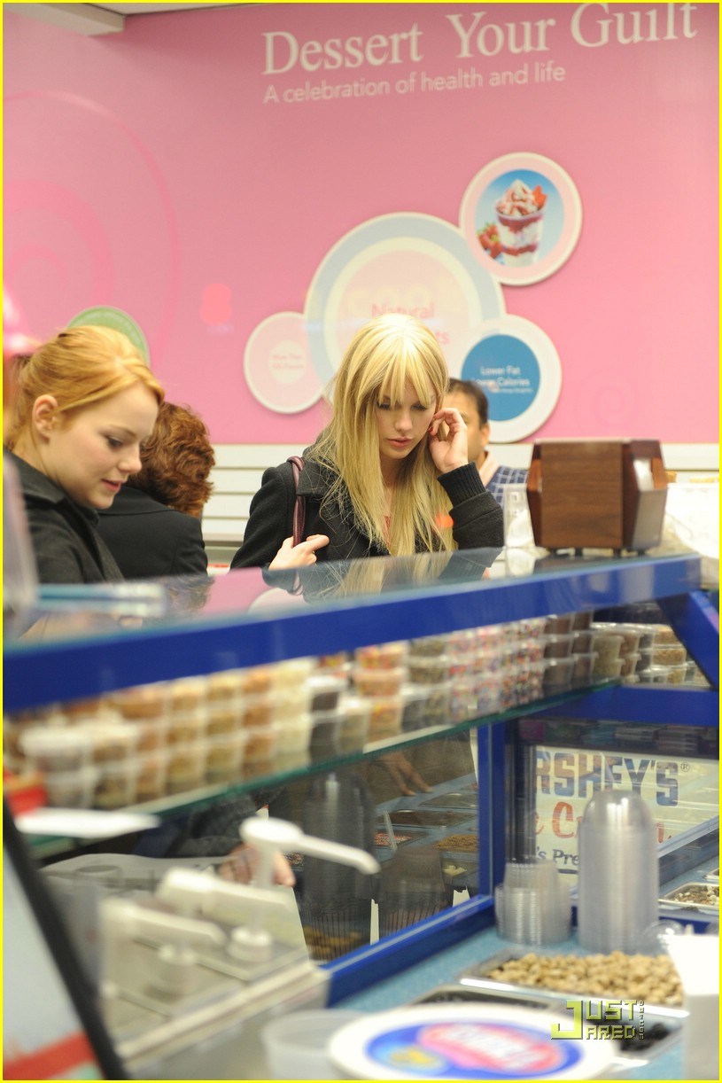 emma stone taylor swift baskin robbins 10
