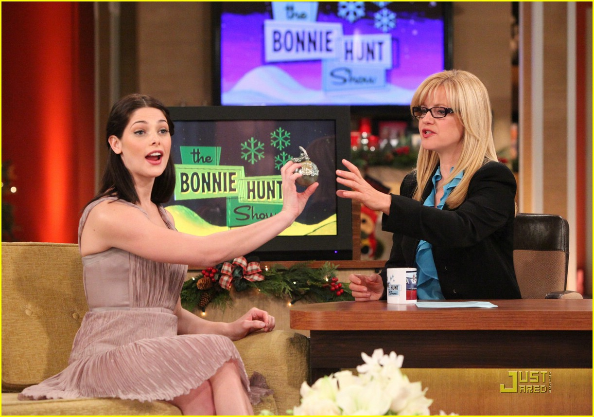 ashley greene bonnie hunt 01