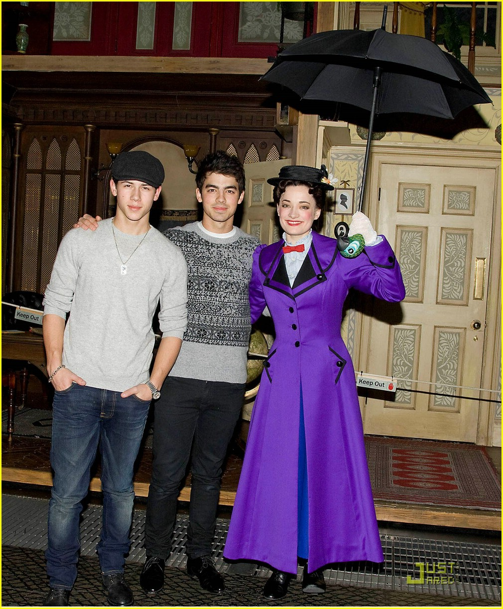 jonas brothers mary poppins 03