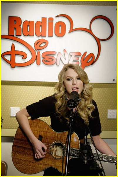 radio disney new year lineup 01