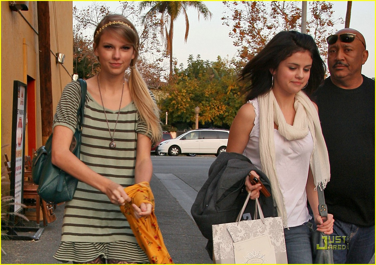 taylor swift selena gomez mozza 01