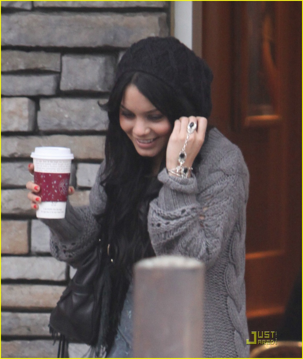 ashley tisdale vanessa hudgens coffee bean 04