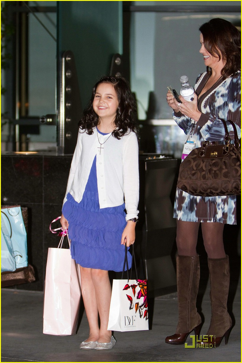bailee madison jennifer aniston daughter 03