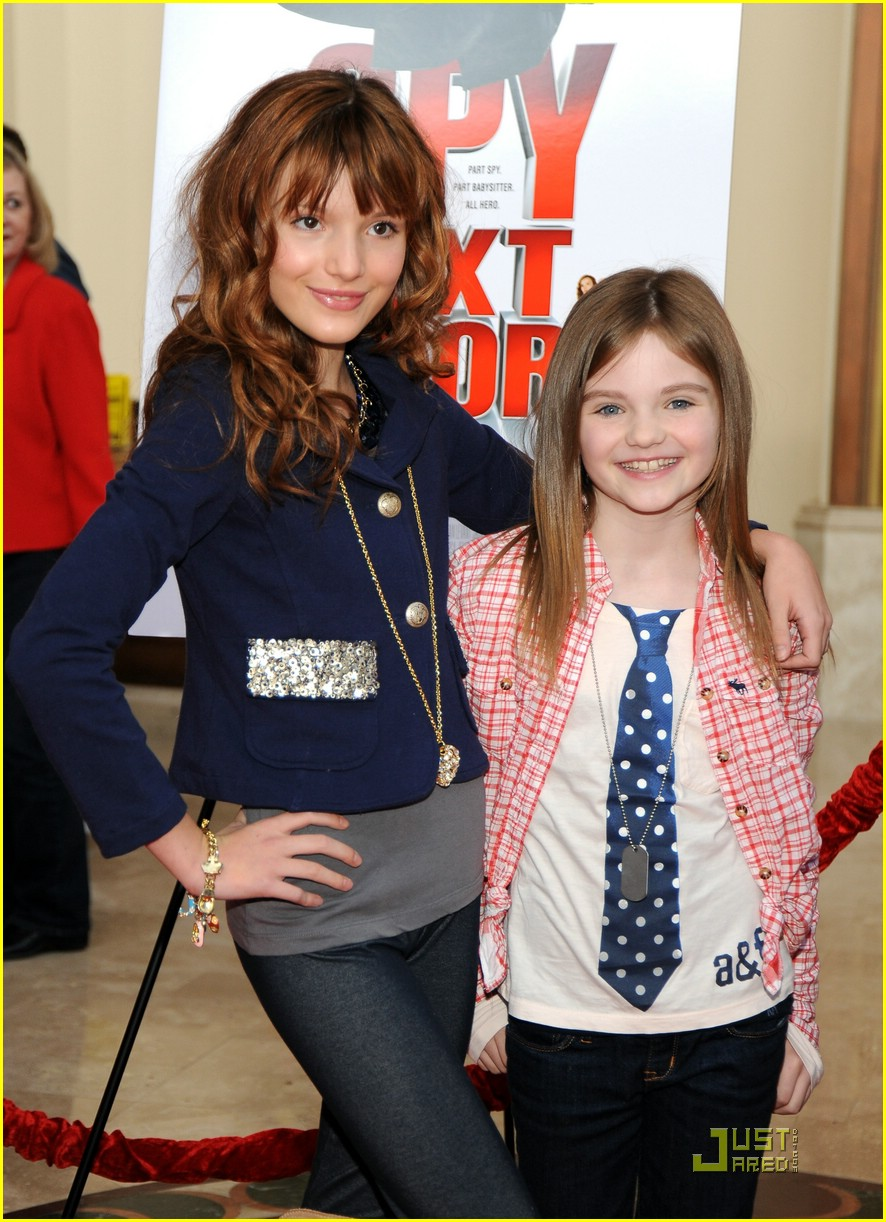 bella thorne amanda seyfried 07