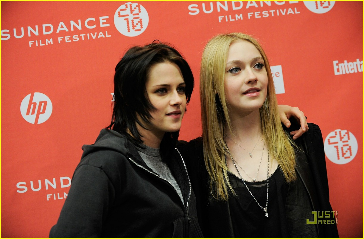 About This Photo Set  Kristen Stewart and Dakota Fanning pair up as    Kristen Stewart And Dakota Fanning In The Runaways
