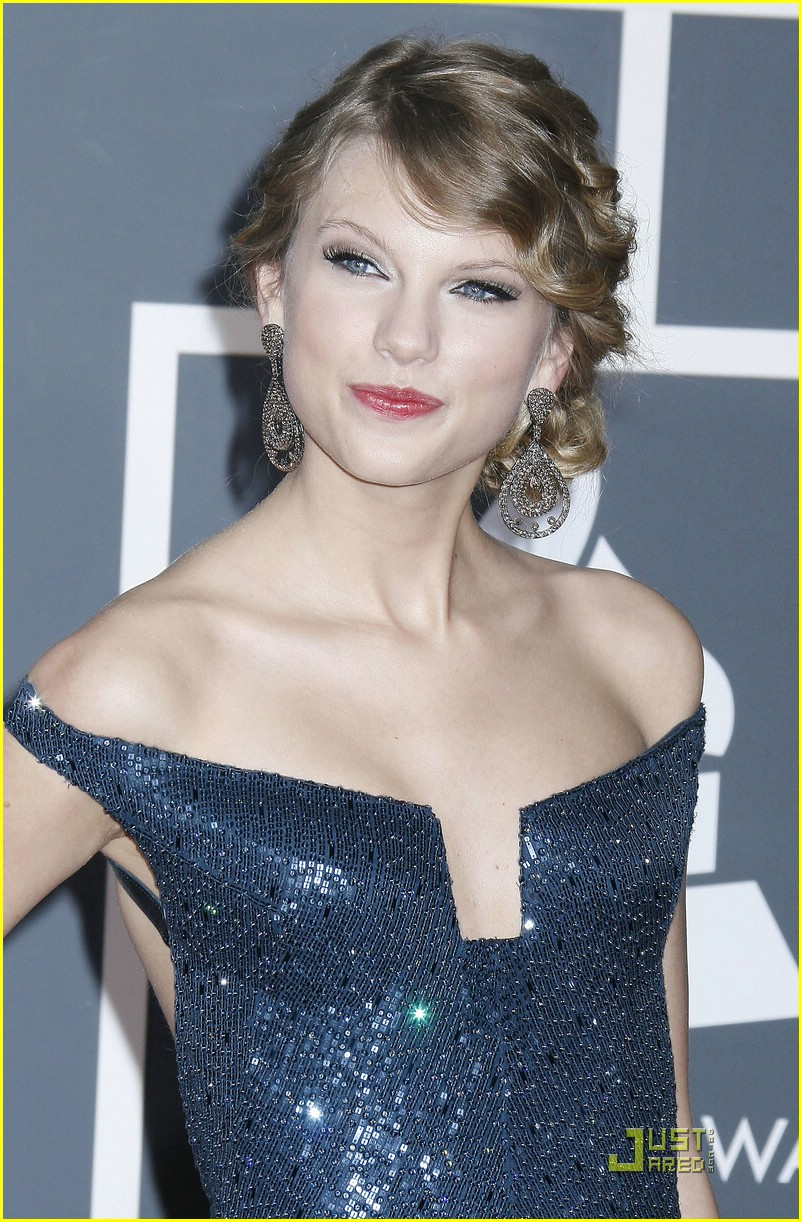 taylor swift dolce gabbana glam 33